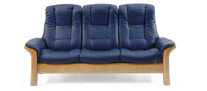 Stressless And Ekornes Leather Sofas